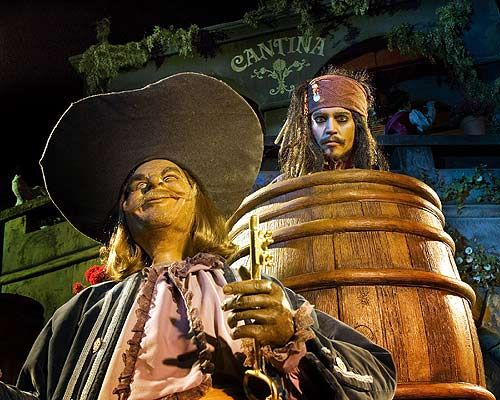 jack sparrow and pirate on the pirates of the caribbean ride