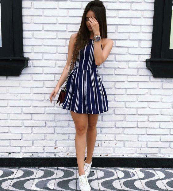 Para tener un look casual con estilo, te recomendamos usar un lindo vestido con tenis 💜💖 #Outfit #casual #tenis