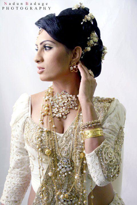 How To Do Kandyan Bridal Makeup : Jewellery, Saree and The ojays on Pinterest
