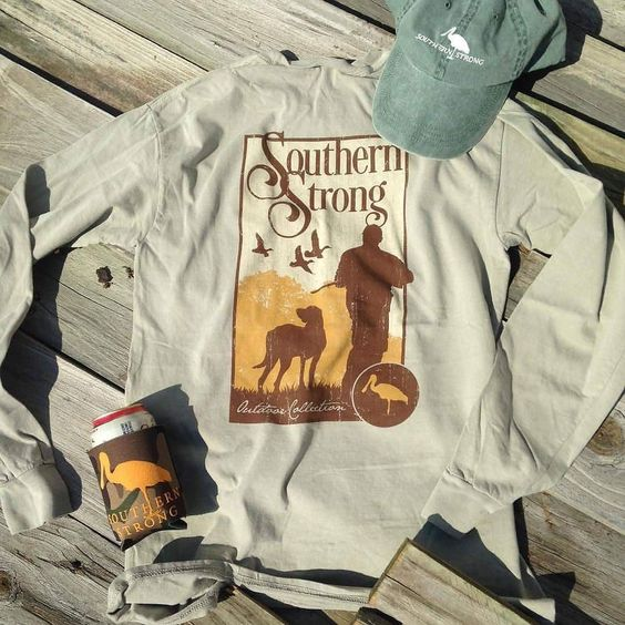 Look good in the woods this season in the NEW Southern Strong outdoor collection. Long sleeve & Short Sleeve tees are now available at the Drawl . Check out @southernstrongco's website thesouthernbrand.com for all your fall needs. by southerndrawloutfitter