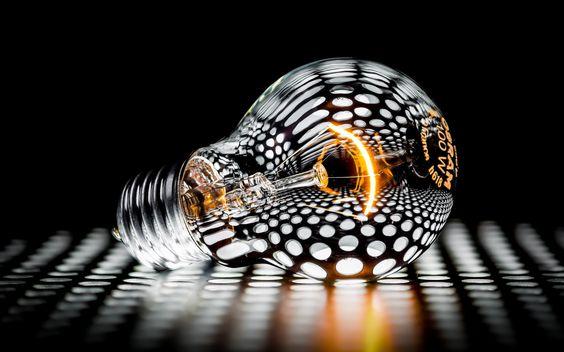 Лампы накаливания 100ВТ запрещены к обороту в РФ, так что подберем на SKLADLAMP вам аналоги из энергосберегающих ламп: компактные люминесцентные или светодиодные. Есть и галогенные на замену лампам накаливания! /// Photo Osram by Martin Hirsch on 500px