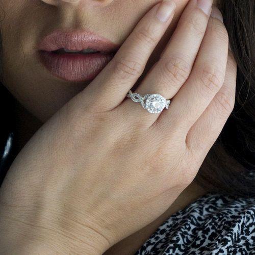 Platinum Diamond Halo Twist Vine Band Engagement Ring with Center Diamond Sto