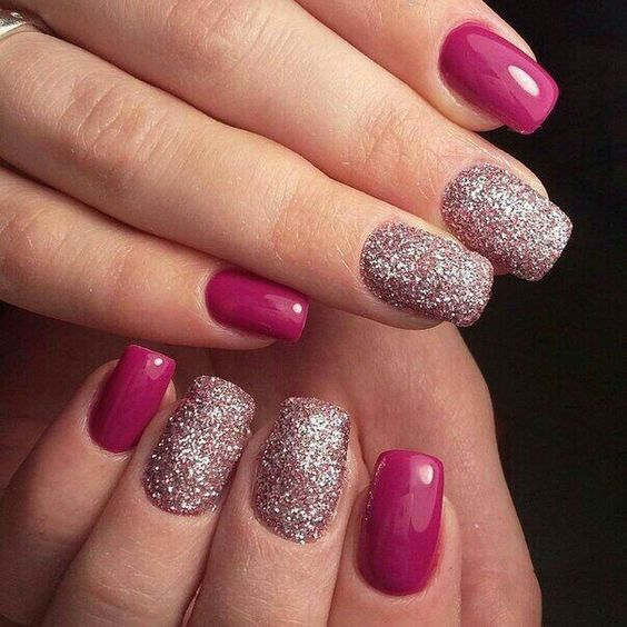 33 Glitter Gel Nail Designs For Short Nails For Spring 2019 Glitter Gel Nails Gel Nails Glitter Gel Nail Designs