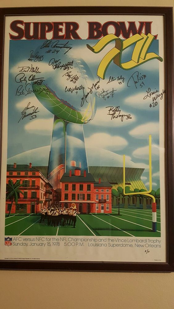 Superbowl XII 1978 Broncos vs. Cowboys. First line Broncos signatures. One and only