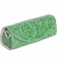 Roll right onto the beach with this compact and essential jewelry roll. With zippered pouch, jewelry strap, and snap out jewelry clutch, this chic chaperon's storage options are an absolute must for an all-day outing.