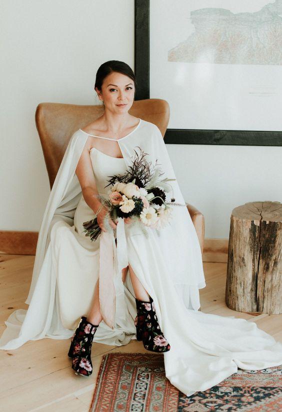 Hochzeitskleid minimalistisch schwarz weiss