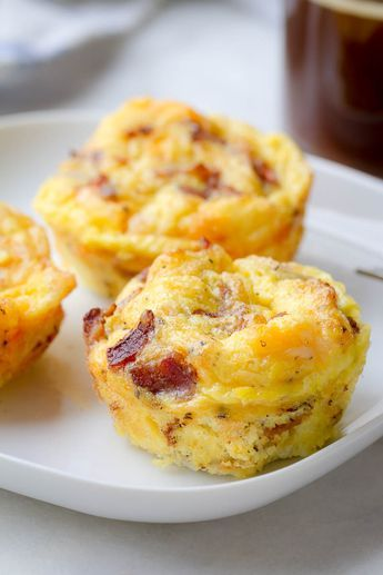 Cheesy Bacon Egg Muffins - Low in carbs and high in protein - The perfect make-ahead breakfast for on the go.