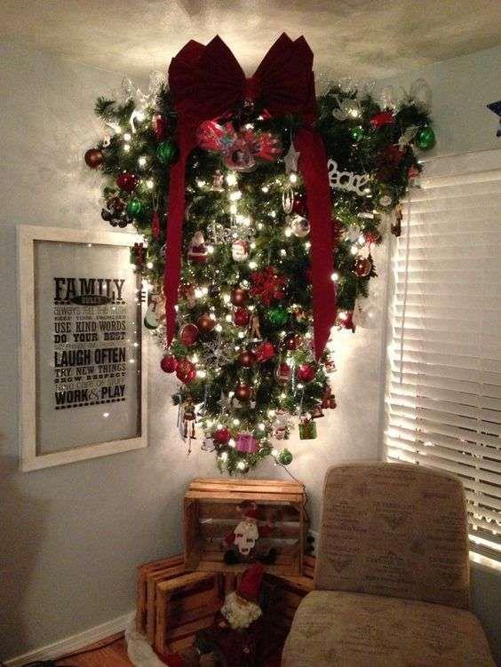 Albero Di Natale Capovolto.Albero Di Natale Rovesciato Tradizionale Idee Per L Albero Di Natale Alberi Di Natale Idee Di Natale