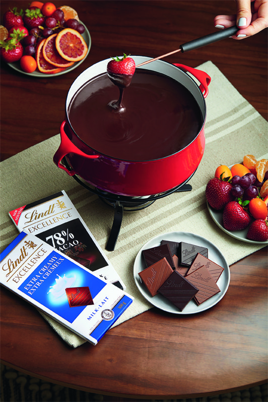 Crowd Pleasing Swiss Chocolate Fondue Lindt The Season Recipe Milk Chocolate Fondue Swiss Chocolate Fondue Lindt Recipes