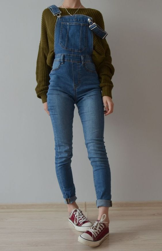 Sweater nad overalls outfit #sweters #sweater #overalls #outfit