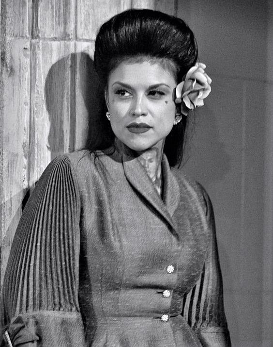 1940s Hair Chicana Style Rockabilly Looks Women Fashion Makeup