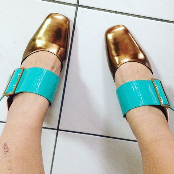 They're here...! #vog_hermine #fluevogs #goldshoes