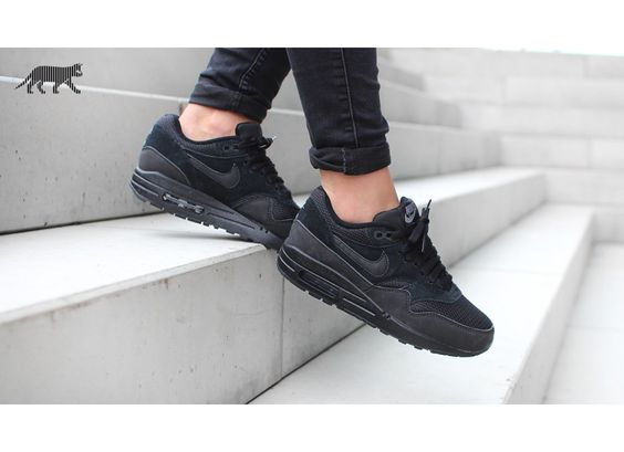 Air Max 1 Essential Black