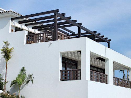 Casa Con Balcones En El Segundo Piso Buscar Con Google