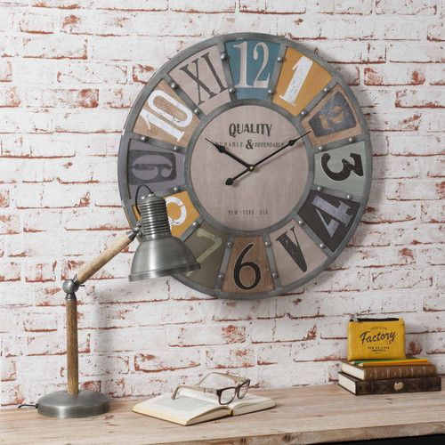 horloge avec rivets en m tal edwin maisons du monde. Black Bedroom Furniture Sets. Home Design Ideas