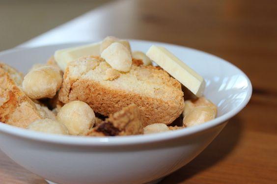 Urlaubserinnerungen: Macadamia Cantuccini mit weißer Schokolade | küchenkränzchen