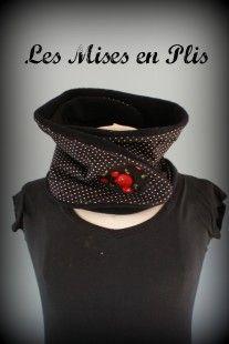 Echarpe-Snood Rockabilly : Echarpe, foulard, cravate par lesmisesenplis sur ALittleMarket