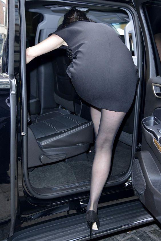 Anne Hathaway - black pantyhose