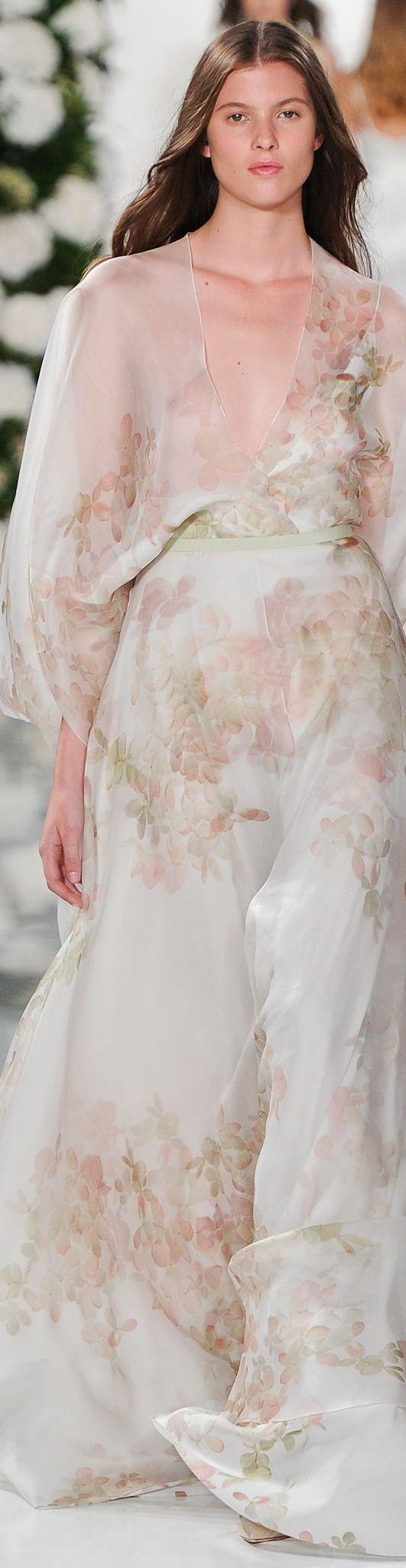 Valentin Yudashkin Collection Spring 2015