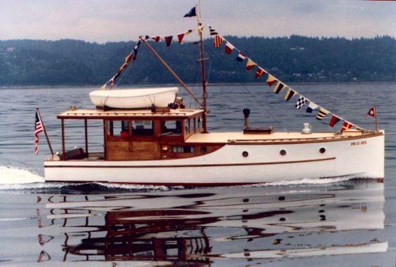 Year:  1930 Length:  36' Builder:  Blanchard Boat Co. Designer:  Leigh Coolidge Fleet: USA Mer-Na History 36-foot raised-deck cruiser built in 1930 by N.J. Blanchard Boat Company.