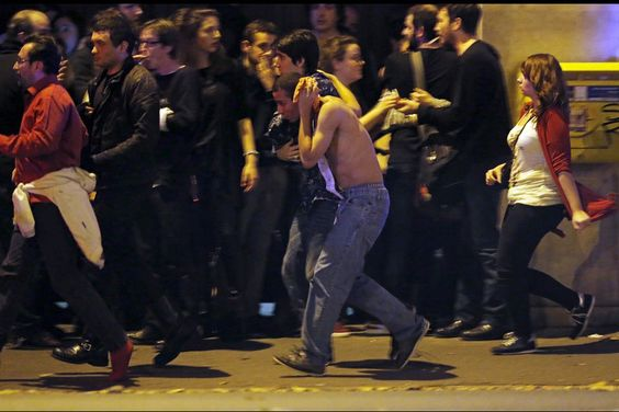 La prise d'otage en cours au Bataclan à Paris #Paris #Bataclan #attentat #fusillade #priseotages