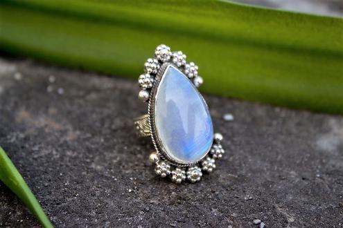 Nathis June Birthstone Necklacependant /& Moonstone