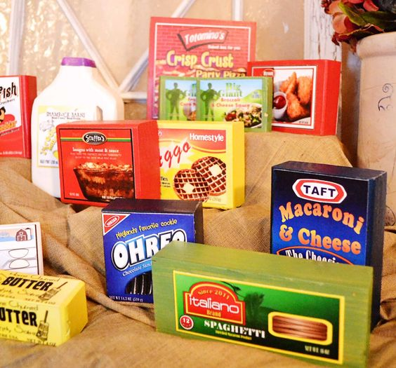 """""""Play"""" Food! Made with wood blocks and printable labels! Great project for Kids!"""