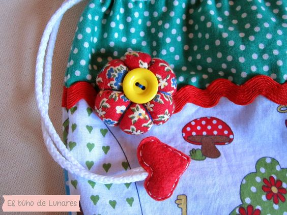 Alicia in Dot's Land bag handmade by Pili B♥   Bolsa de saco Alicia en el país de los Lunares hecho a mano por Pili B♥