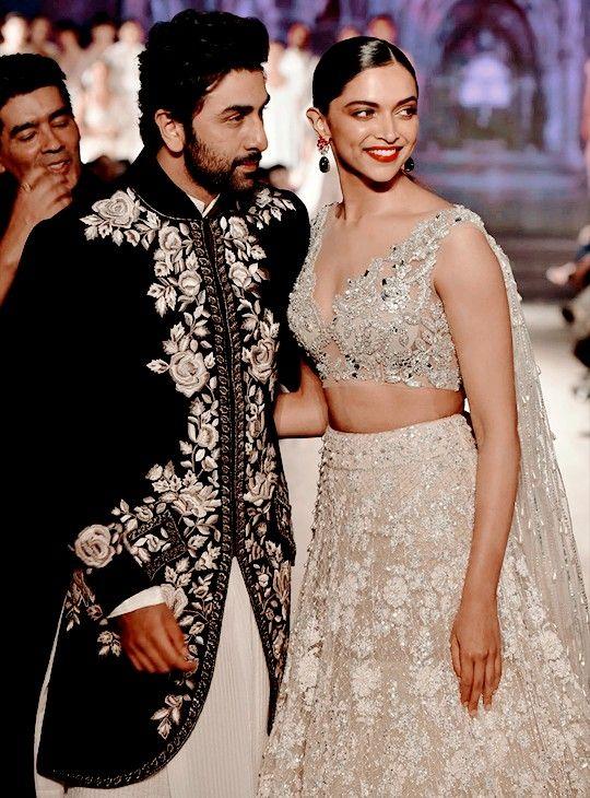 Depika Padukone Ranbir Kapoor Indian Wedding Gowns Bollywood Celebrities Celebs