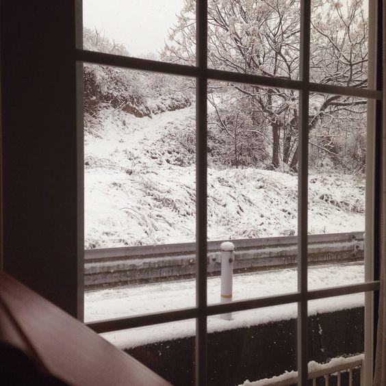 窓の外は銀世界…