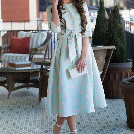 انيق حبيت بساطته والونه حلوه تنسيق تنسيقات فساتين فستان تصاميم فستان ناعم Modest Dresses Dresses Set Dress