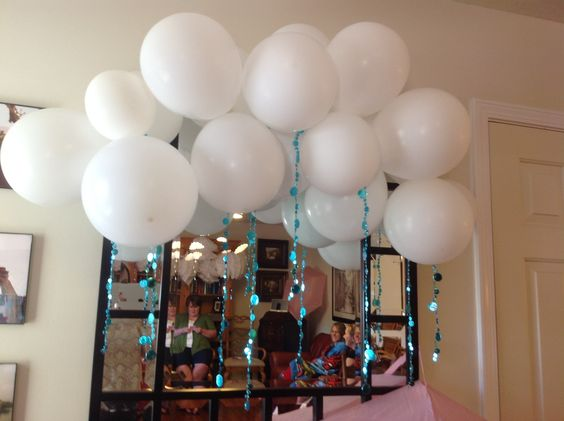 Balloon cloud and rain drops baby shower pinterest for Balloon cloud decoration