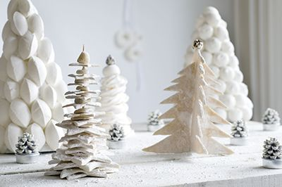 witte kerstbomen brooddeeg meringue fotografie Rob van der Vet , Styling en maken Jet Krings en Lissy Distel