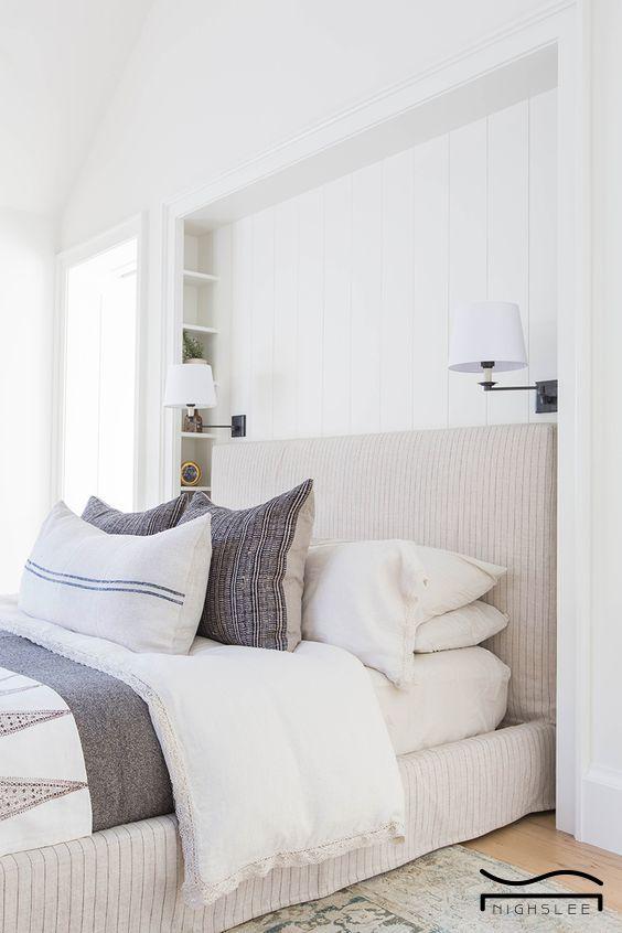 White Bedroom Idea Simple Clean Boho Organization Minimalist Bedroom Interior Traditional Bedroom Bedroom Design