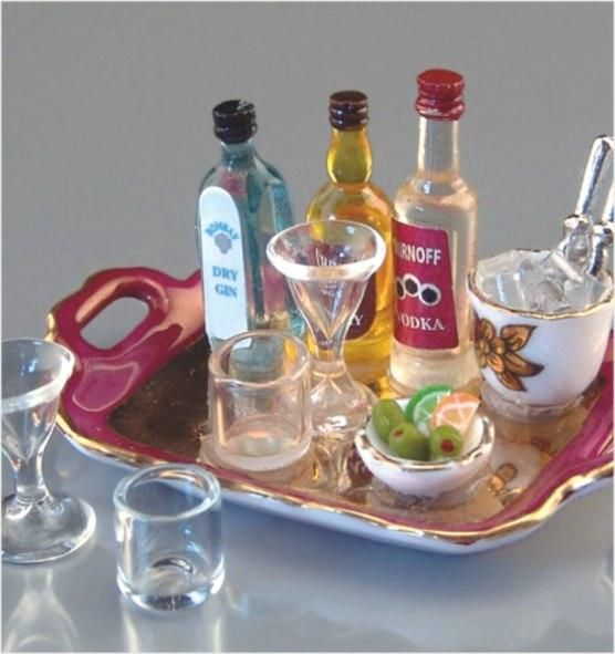 Liquor Tray with Glasses and Ice | Marys Dollhouse Miniatures
