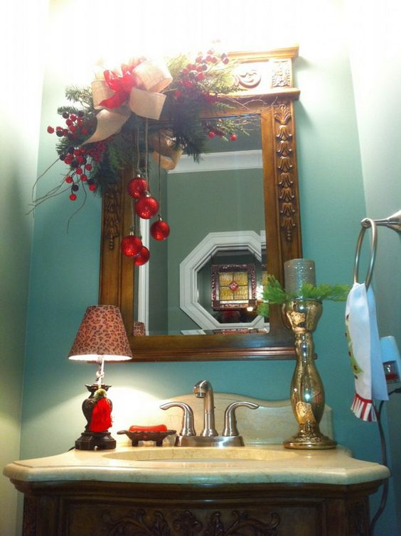 How To Decorate A Small Bathroom For Christmas: Christmas Bathroom Decor For Small Vanity Mirror With