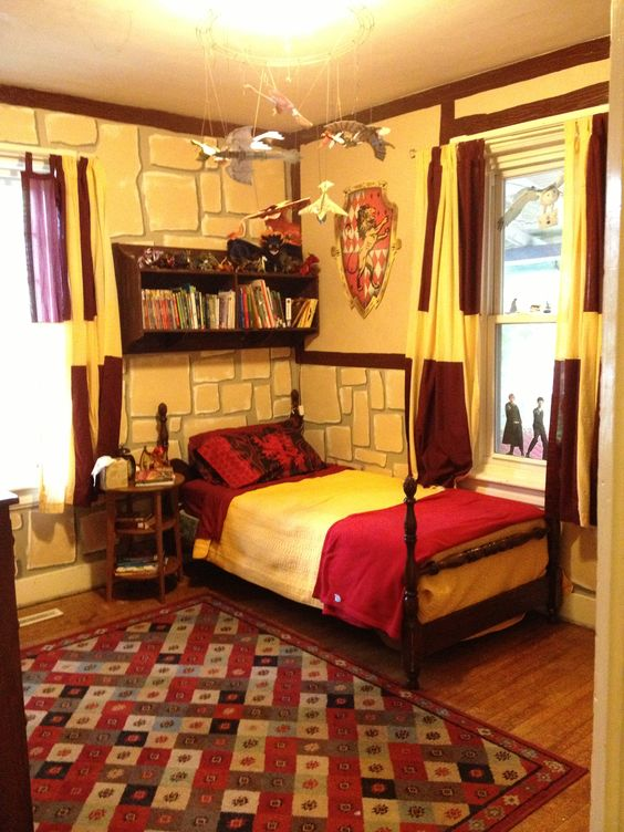 Harry Potter Gryffindor bedroom... I'm 26 and would still LOVE this -- except mine would have to be Hufflepuff
