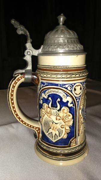 263) Alter Bierkrug mit Zinndeckel, 0,5l mit Sinnspruch, Preis 25€