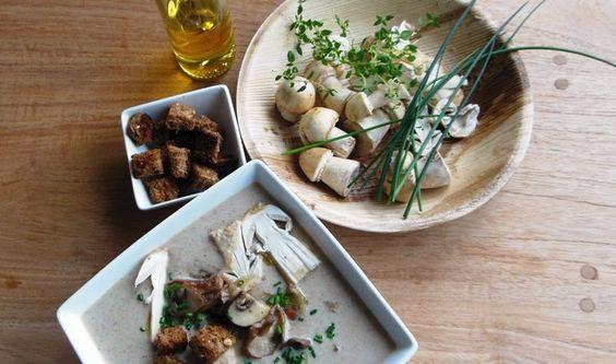 Paddenstoelensoep met truffelolie - Jude's Diner