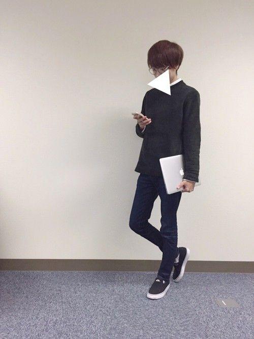 対レポート課題コーデ🤓 シャツ ニット スキニー スリッポン iPhoneSE MacBook A