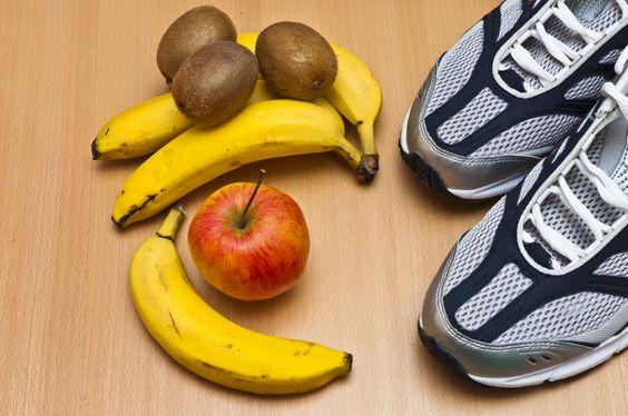 É bom comer carboidrato antes de malhar? E se eu quiser emagrecer? Opto por frutas? E depois, o que devo fazer? Essas e outras dúvidas são frequentes para quem ...