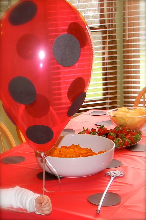 DIY Butterfly Party Decor Buy Red Balloons And Table