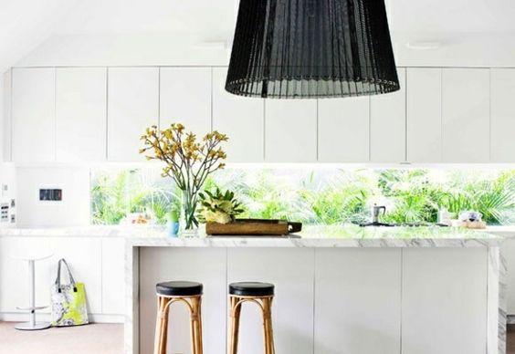 Küchenrückwand drücken Plexiglas weiße minimalistische Küche