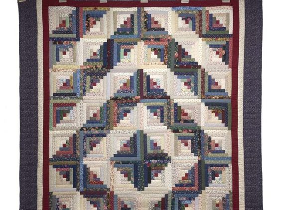 Log Cabin Quilt -- terrific cleverly made Amish Quilts from Lancaster (hs7639)