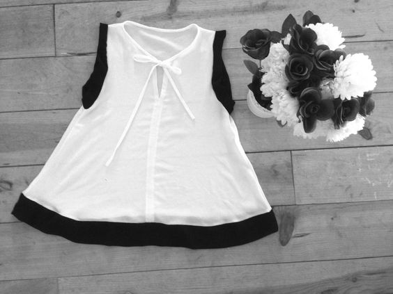 Blusa bicolor sin mangas lazo: http://bit.ly/1SHgzt1  www.cianela.com