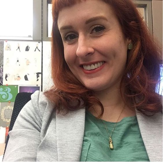 Louise in the Janesko Welcome Pineapple necklace.  #janesko #pineapple #necklace #jewelry