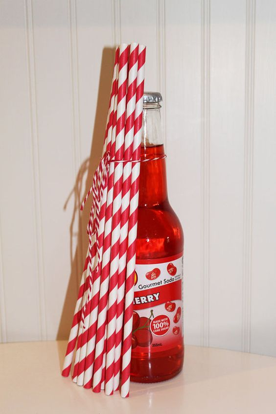 25 LONG Red Striped Paper Straws with DIY Flags - Long Paper Straws  Soda Bottles, Retro, Party, Wedding, Paper Drinking Straws