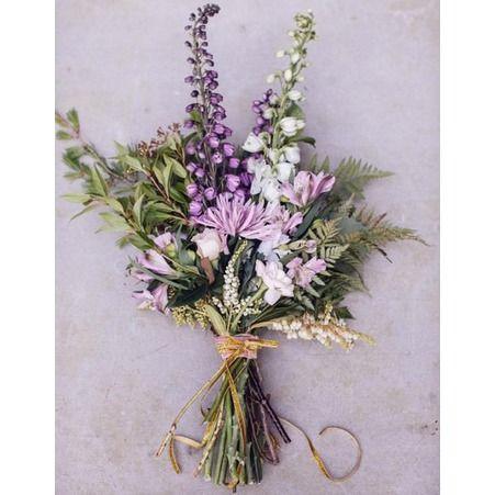 Bouquet de mariee blanc et parme