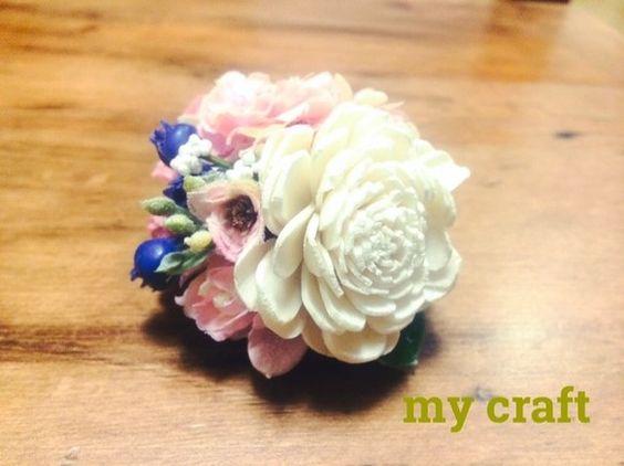 約6cmピンクのお花の中にブルーベリーが入ったコサージュどの角度からみても色んなお花と実がギッシリ詰まった可愛い2wayタイプのコサージュです。アーティフィシ...|ハンドメイド、手作り、手仕事品の通販・販売・購入ならCreema。