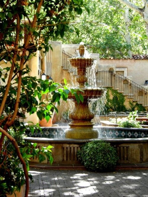 Courtyard fountain with the spanish elements garden for Spanish style fountains for sale